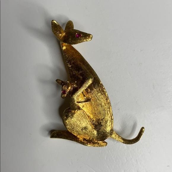 Tiffany and Co. kangaroo 18 karat gold .32 ounce